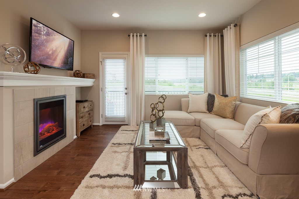 Sold Property | 3347 31st Drive #8.1 Everett, WA 98201 2