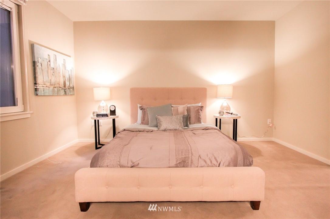 Sold Property | 76 Cedar Street #405 Seattle, WA 98121 6