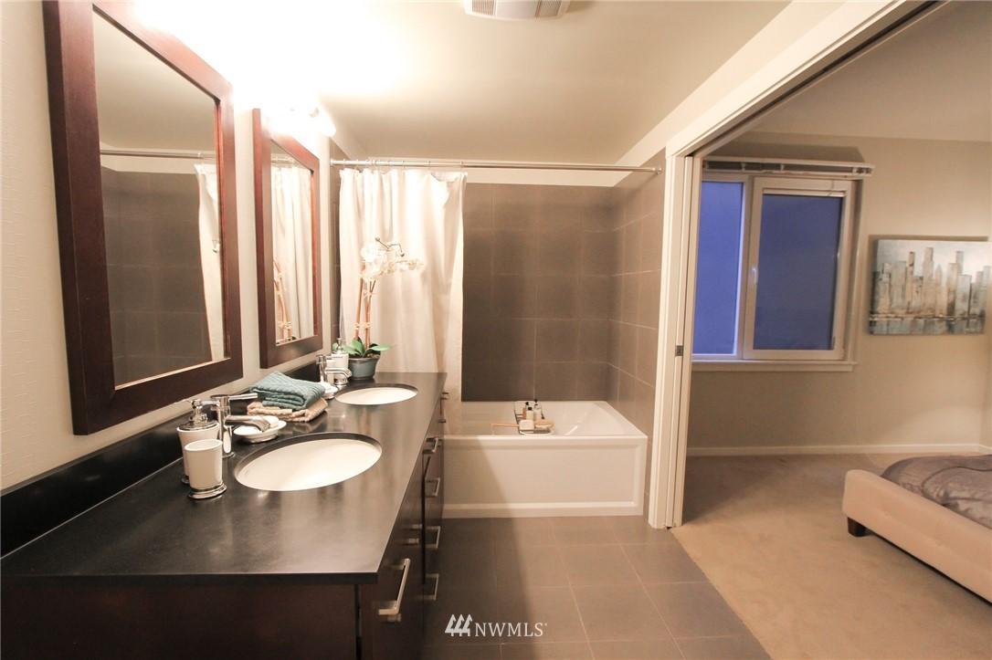 Sold Property | 76 Cedar Street #405 Seattle, WA 98121 8