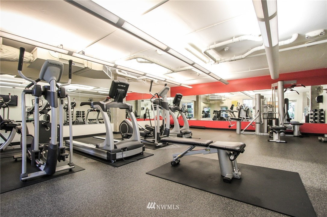 Sold Property | 76 Cedar Street #405 Seattle, WA 98121 18