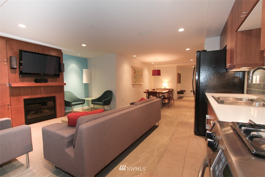 Sold Property | 76 Cedar Street #405 Seattle, WA 98121 19