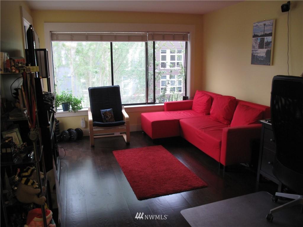 Sold Property | 3411 Wallingford Avenue N #33 Seattle, WA 98103 3