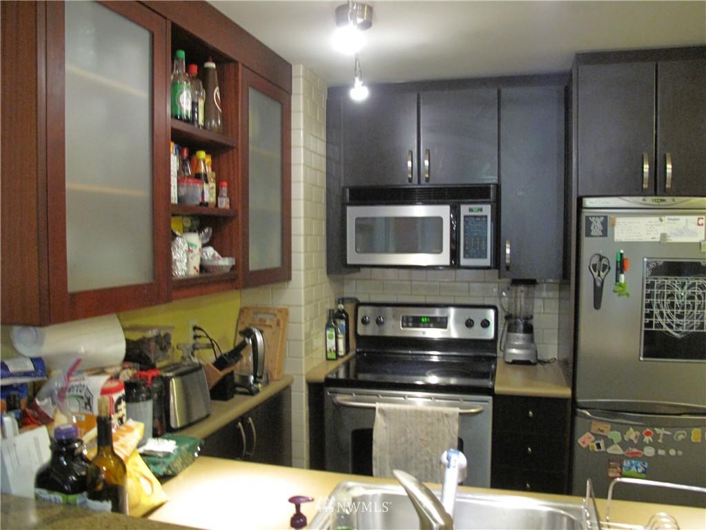 Sold Property | 3411 Wallingford Avenue N #33 Seattle, WA 98103 4