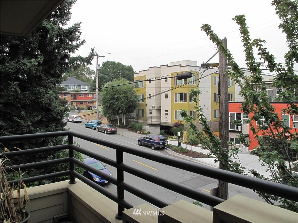 Sold Property | 3411 Wallingford Avenue N #33 Seattle, WA 98103 8