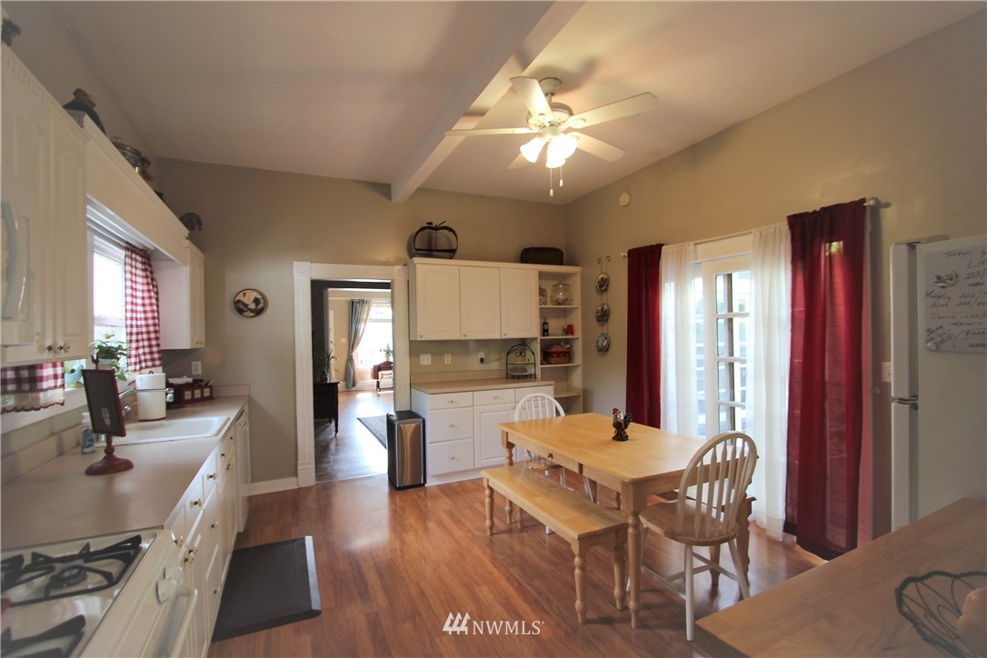 Sold Property | 517 W Meeker Puyallup, WA 98371 17