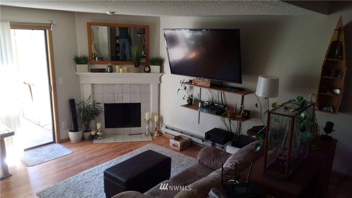 Sold Property | 23001 Lakeview Drive #1-206 Mountlake Terrace, WA 98043 3