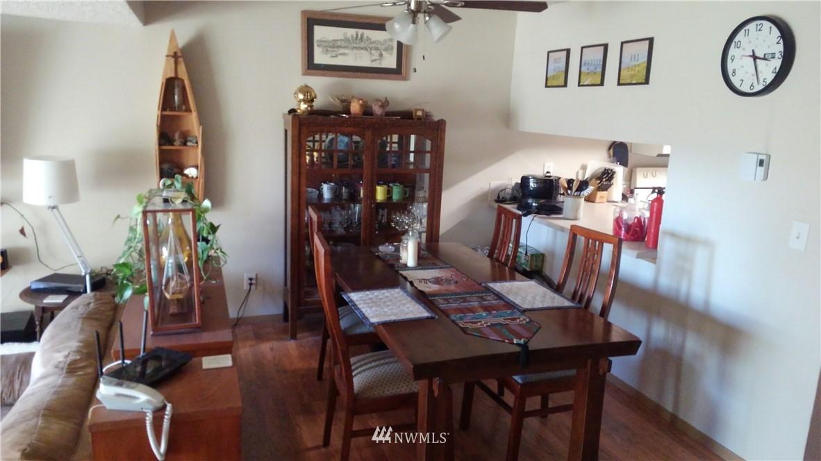 Sold Property | 23001 Lakeview Drive #1-206 Mountlake Terrace, WA 98043 4
