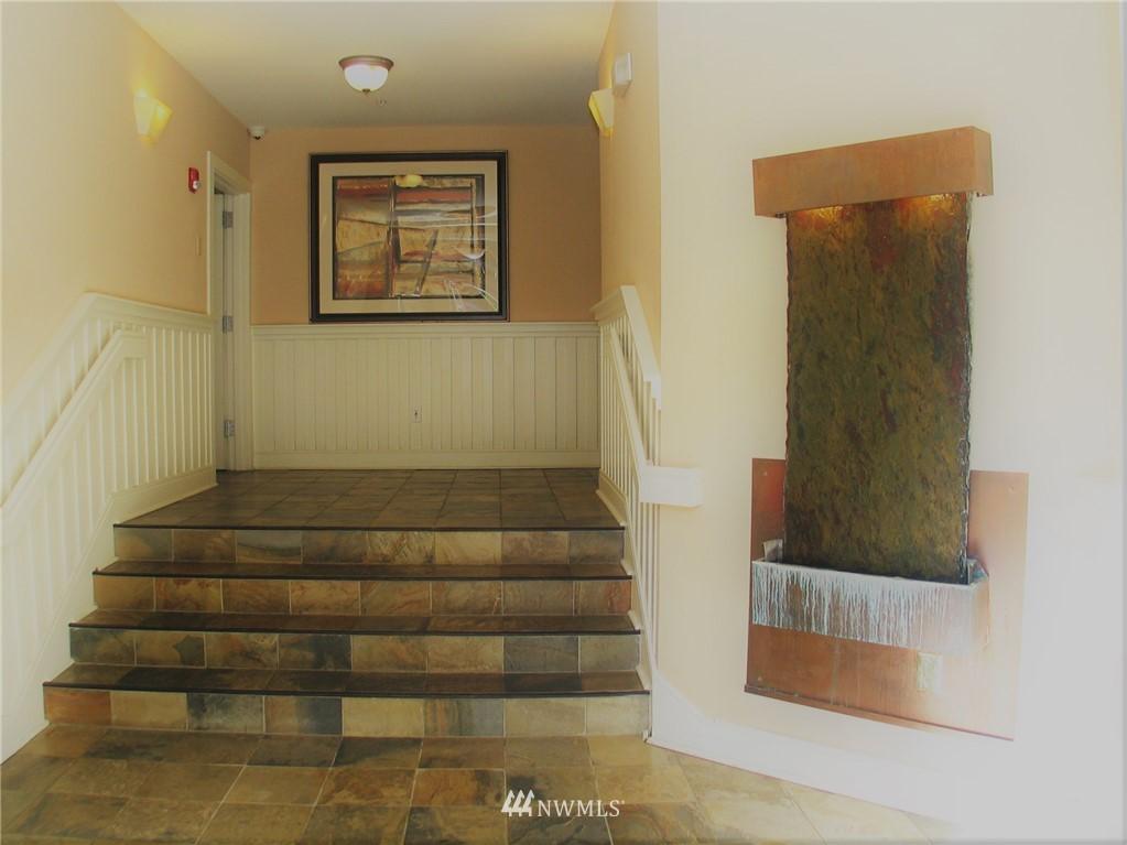 Sold Property | 18 Dravus #203 Seattle, WA 98109 12