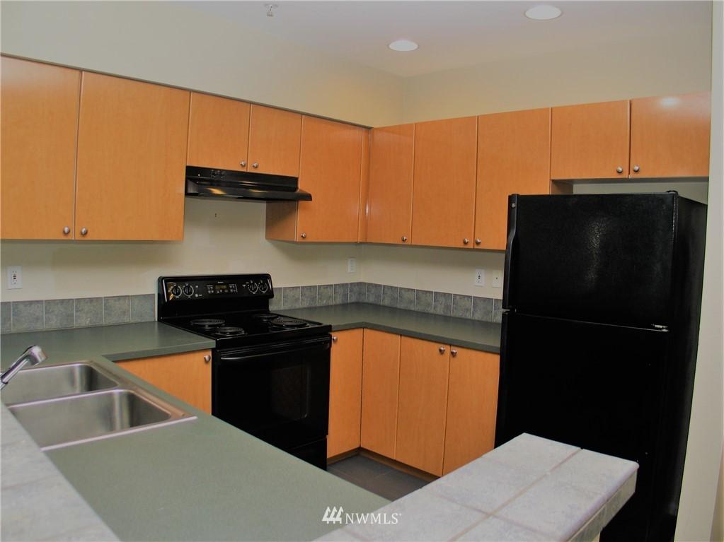 Sold Property | 18 Dravus #203 Seattle, WA 98109 2