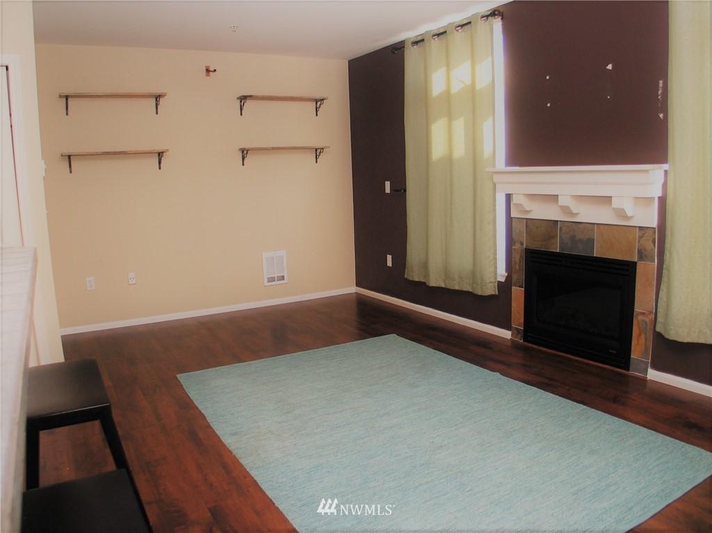 Sold Property | 18 Dravus #203 Seattle, WA 98109 4