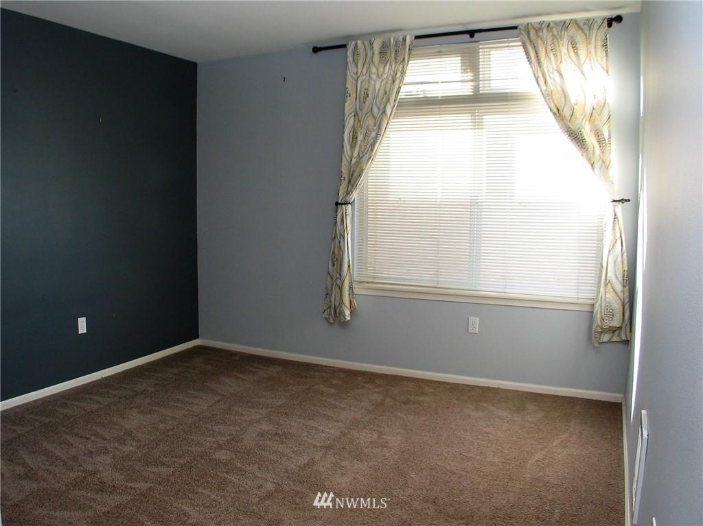 Sold Property | 18 Dravus #203 Seattle, WA 98109 7