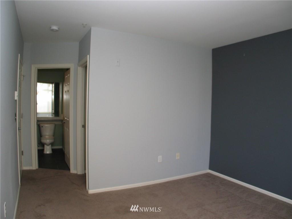 Sold Property | 18 Dravus #203 Seattle, WA 98109 8