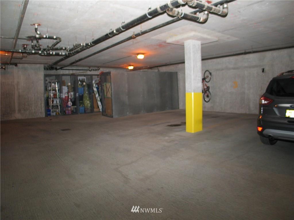 Sold Property | 18 Dravus #203 Seattle, WA 98109 10