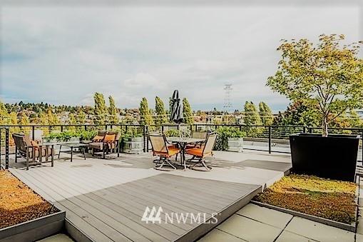 Sold Property | 18 Dravus #203 Seattle, WA 98109 14