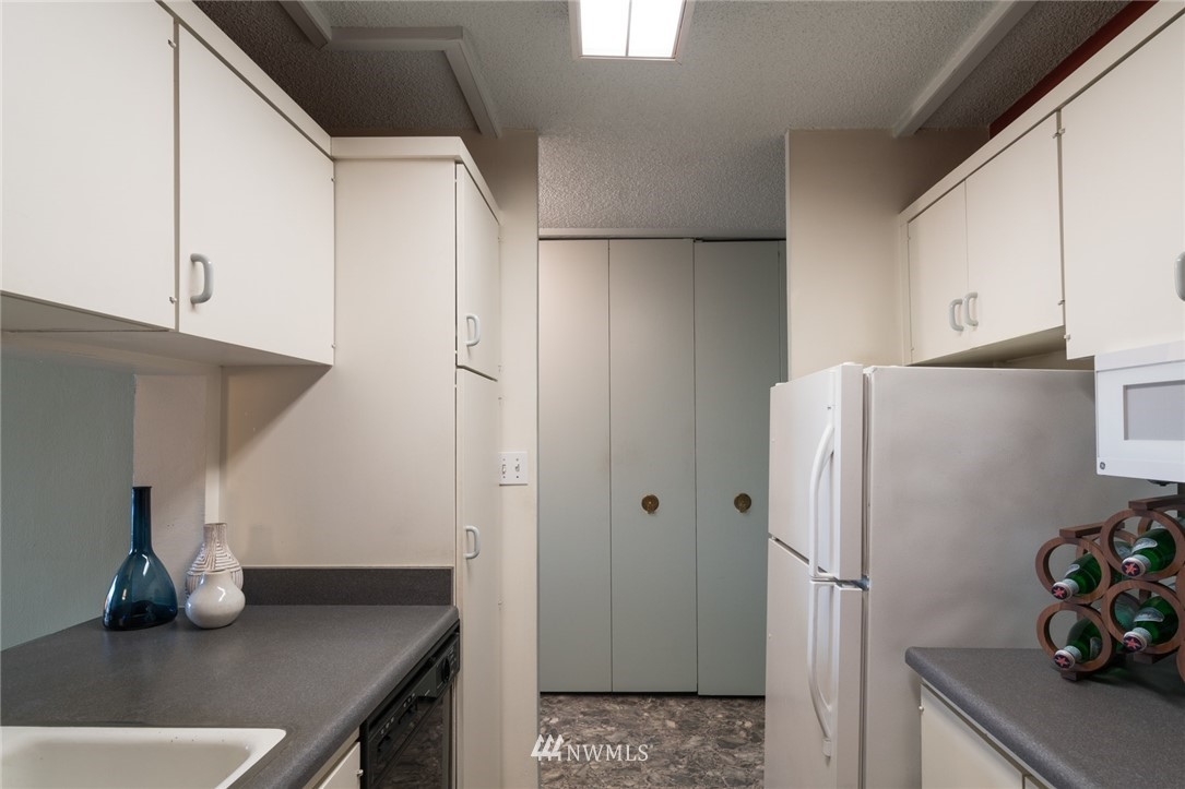 Sold Property   308 E Republican Street #106 Seattle, WA 98102 5