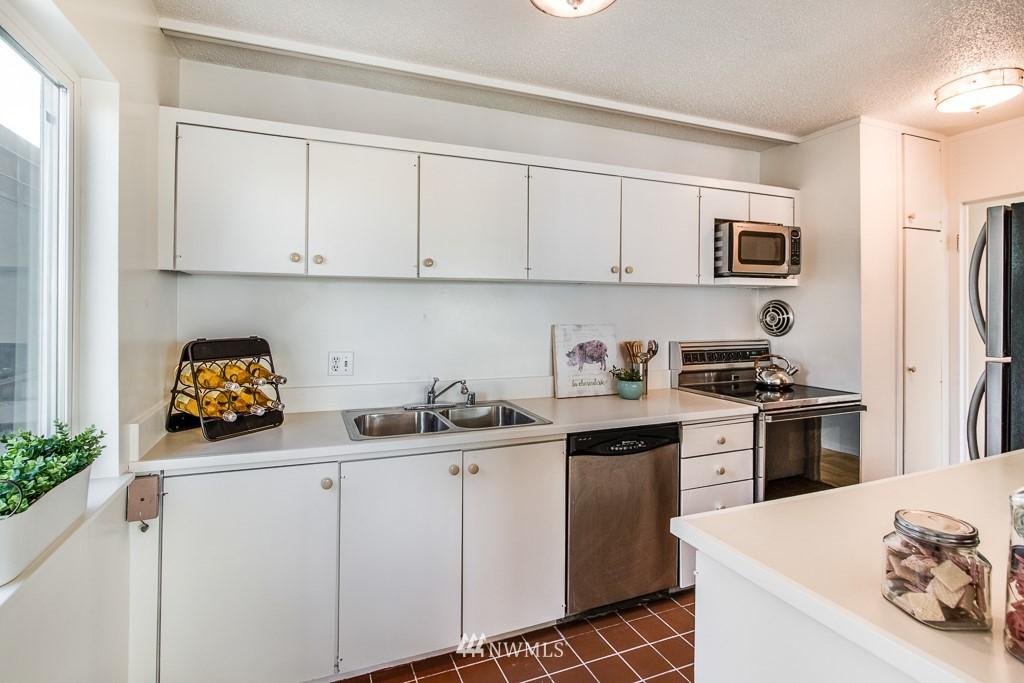 Sold Property | 308 E Republican Street #314 Seattle, WA 98102 8