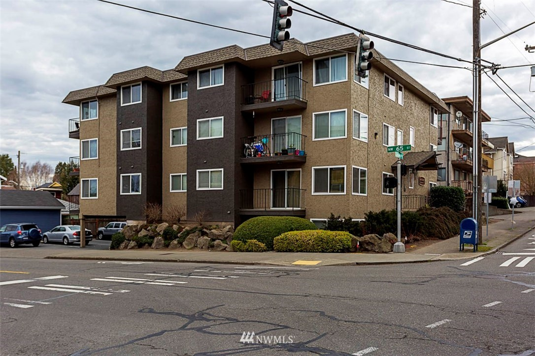Sold Property | 6501 24th Avenue NW #102 Seattle, WA 98117 8