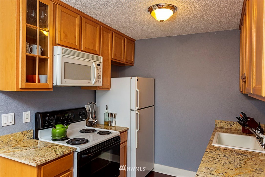 Sold Property | 6501 24th Avenue NW #102 Seattle, WA 98117 1