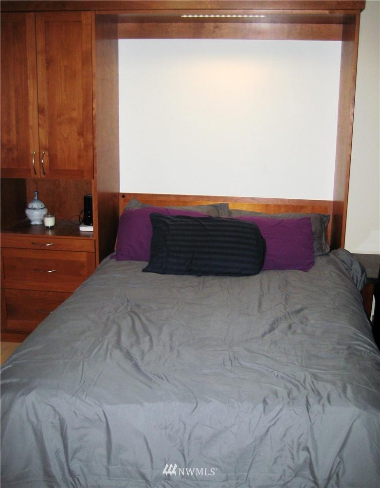 Sold Property | 3028 Western Avenue #115 Seattle, WA 98121 7