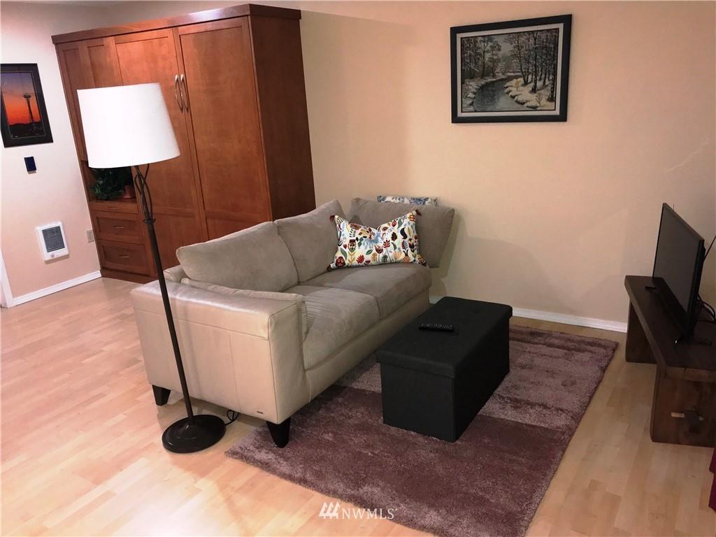 Sold Property | 3028 Western Avenue #115 Seattle, WA 98121 8