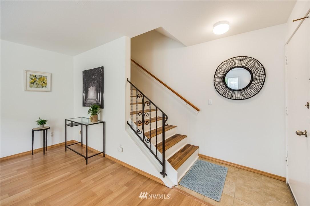 Sold Property   240 S 152nd Street #105 Burien, WA 98148 4