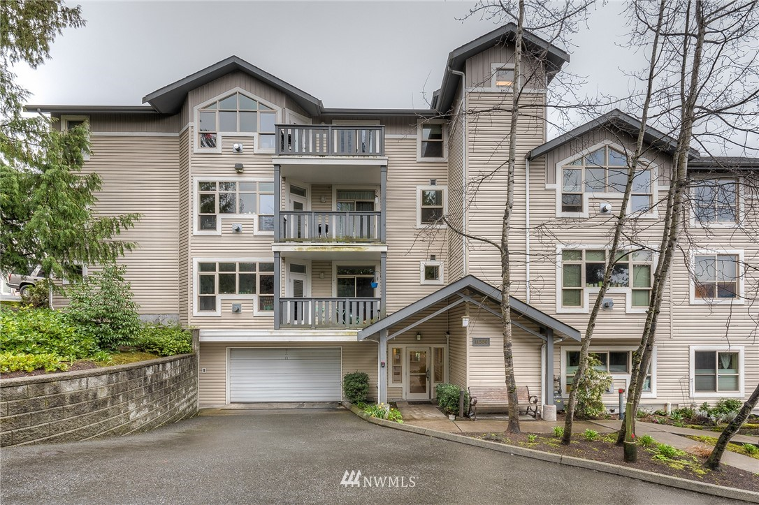 Sold Property | 11550 Stone Ave N #205 Seattle, WA 98133 0