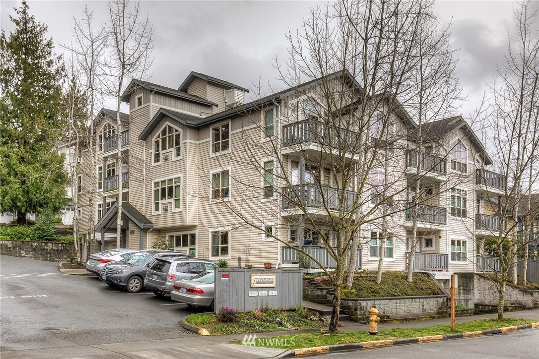Sold Property | 11550 Stone Ave N #205 Seattle, WA 98133 24