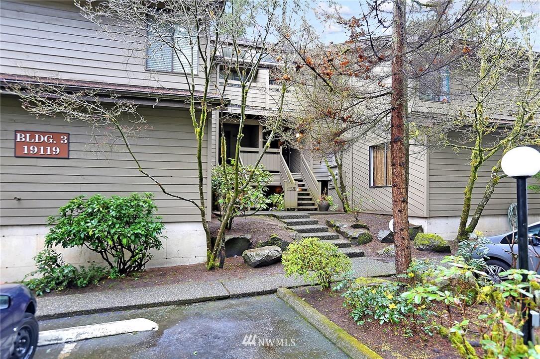 Sold Property   19119 Ballinger Way NE #102 Lake Forest Park, WA 98155 0