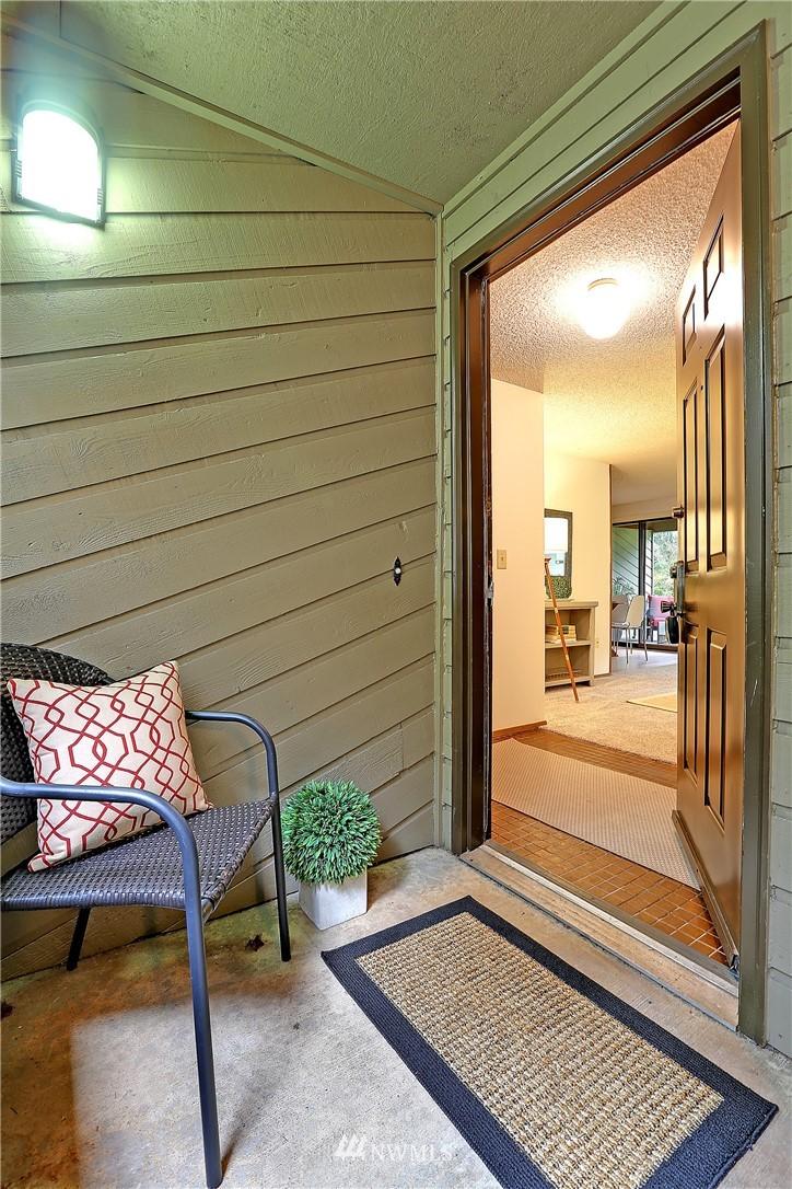 Sold Property   19119 Ballinger Way NE #102 Lake Forest Park, WA 98155 1