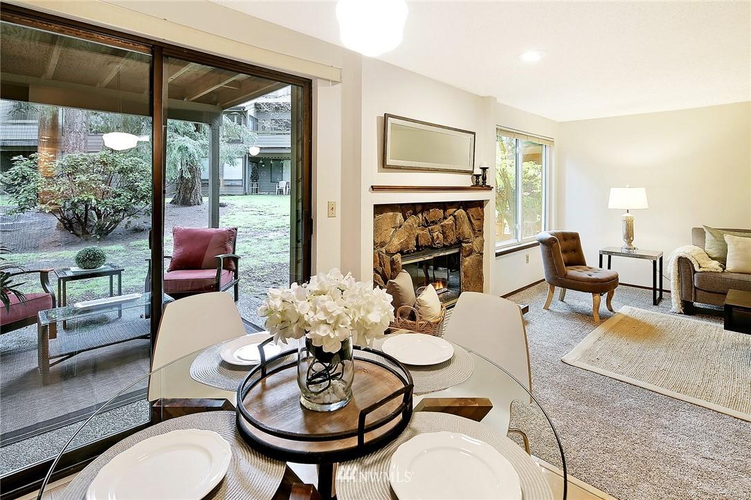 Sold Property   19119 Ballinger Way NE #102 Lake Forest Park, WA 98155 4