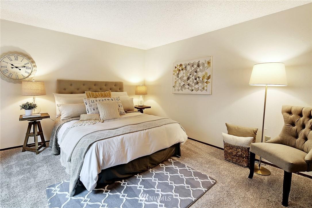 Sold Property   19119 Ballinger Way NE #102 Lake Forest Park, WA 98155 10