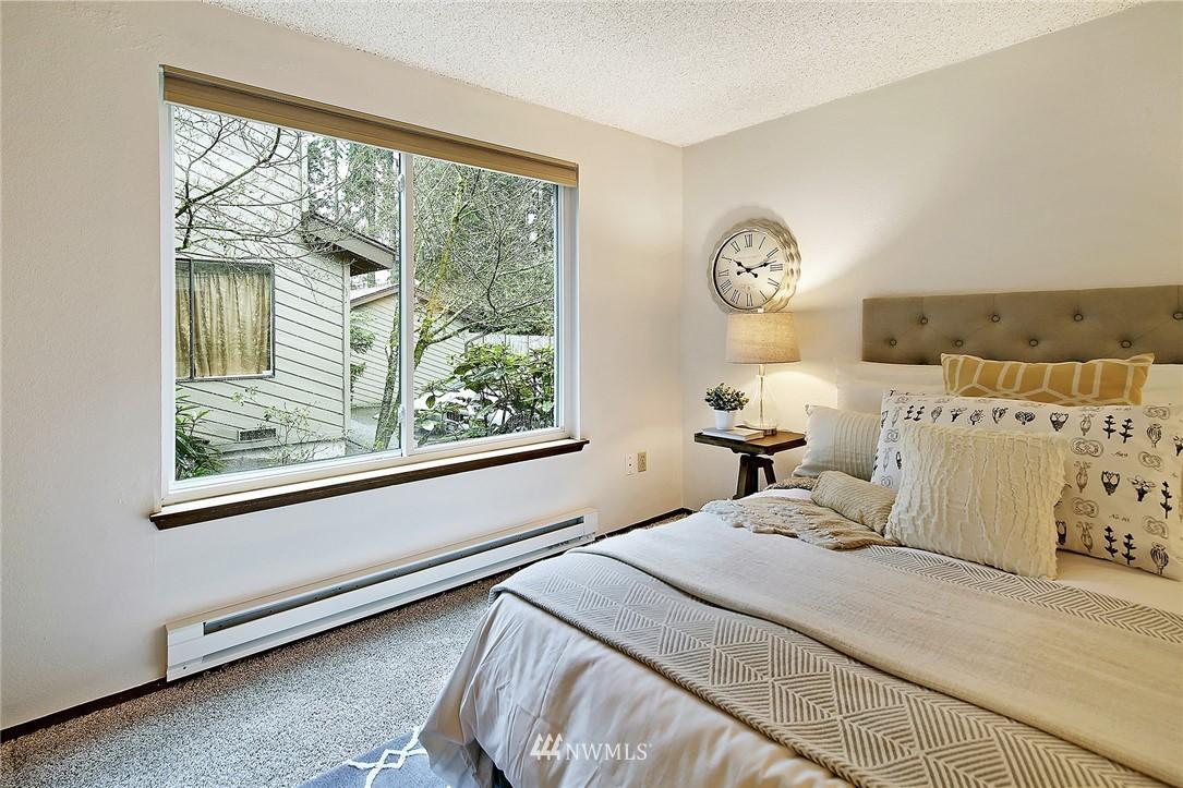 Sold Property   19119 Ballinger Way NE #102 Lake Forest Park, WA 98155 11