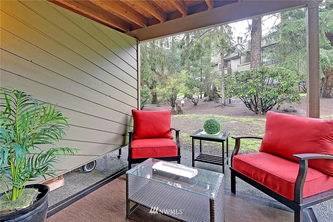 Sold Property   19119 Ballinger Way NE #102 Lake Forest Park, WA 98155 15