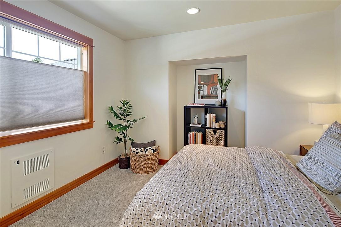 Sold Property | 9151 23rd Avenue NE Seattle, WA 98115 13