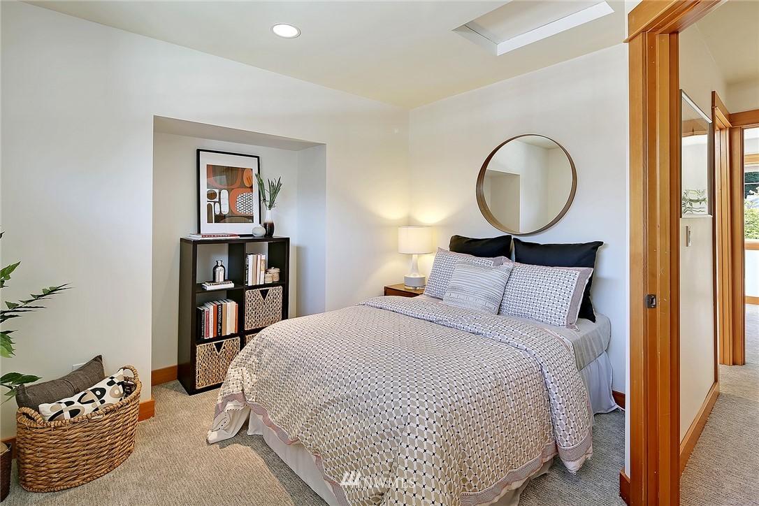 Sold Property | 9151 23rd Avenue NE Seattle, WA 98115 12
