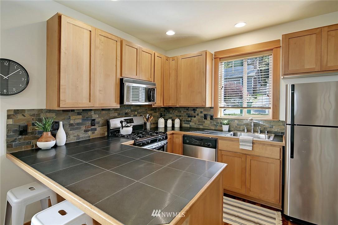 Sold Property | 9151 23rd Avenue NE Seattle, WA 98115 6