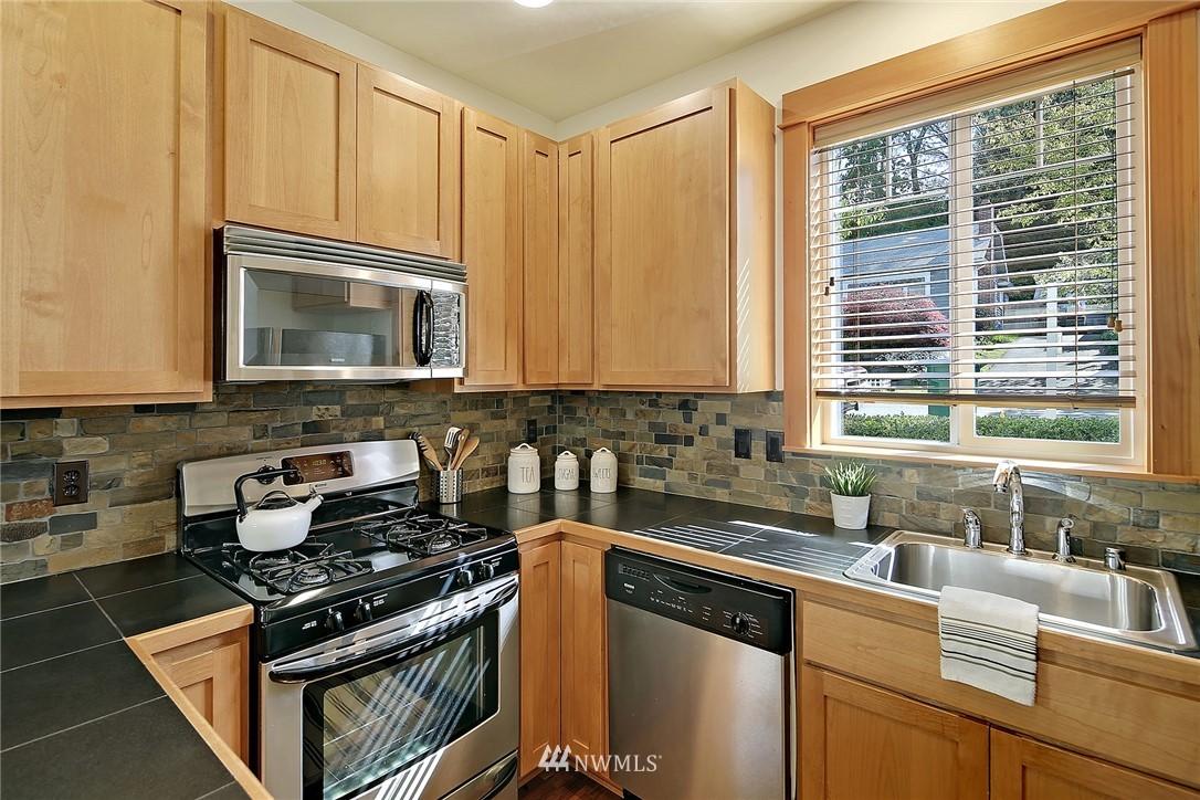 Sold Property | 9151 23rd Avenue NE Seattle, WA 98115 7