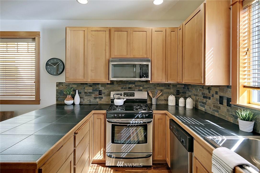 Sold Property | 9151 23rd Avenue NE Seattle, WA 98115 8