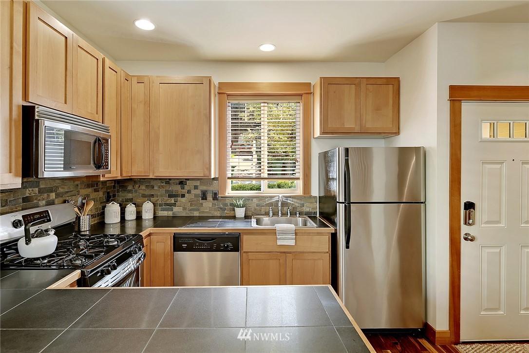 Sold Property | 9151 23rd Avenue NE Seattle, WA 98115 5