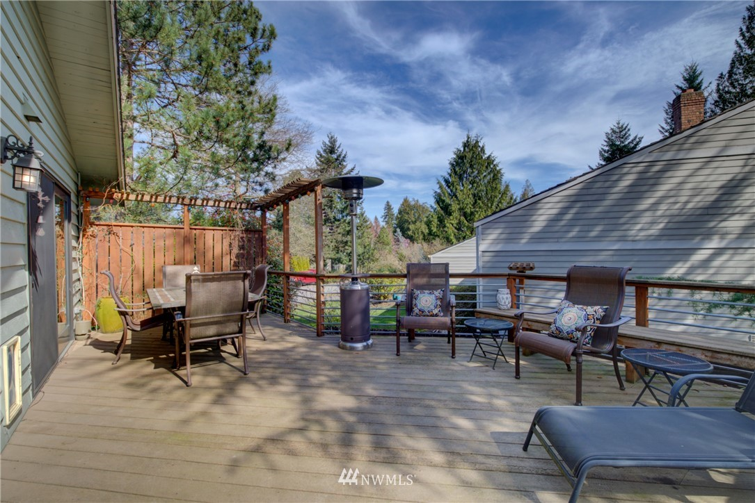 Sold Property | 740 Kalmia Place NW Issaquah, WA 98027 15