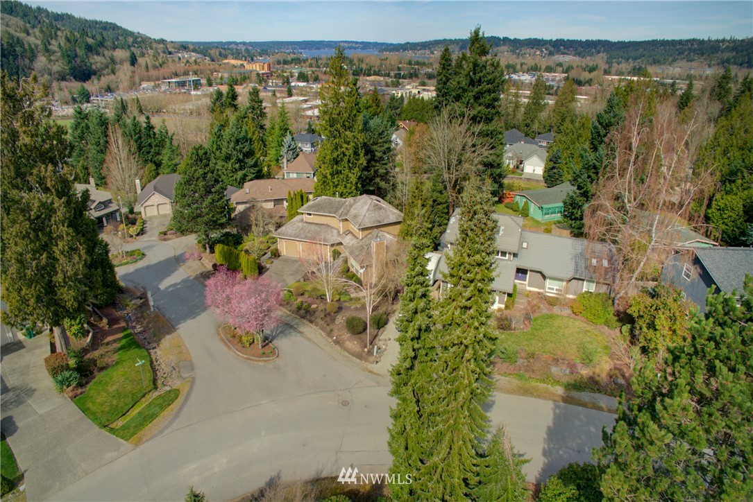 Sold Property | 740 Kalmia Place NW Issaquah, WA 98027 24