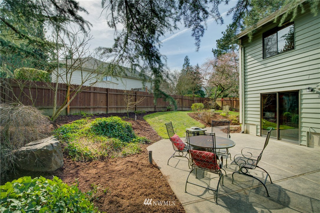 Sold Property | 740 Kalmia Place NW Issaquah, WA 98027 16