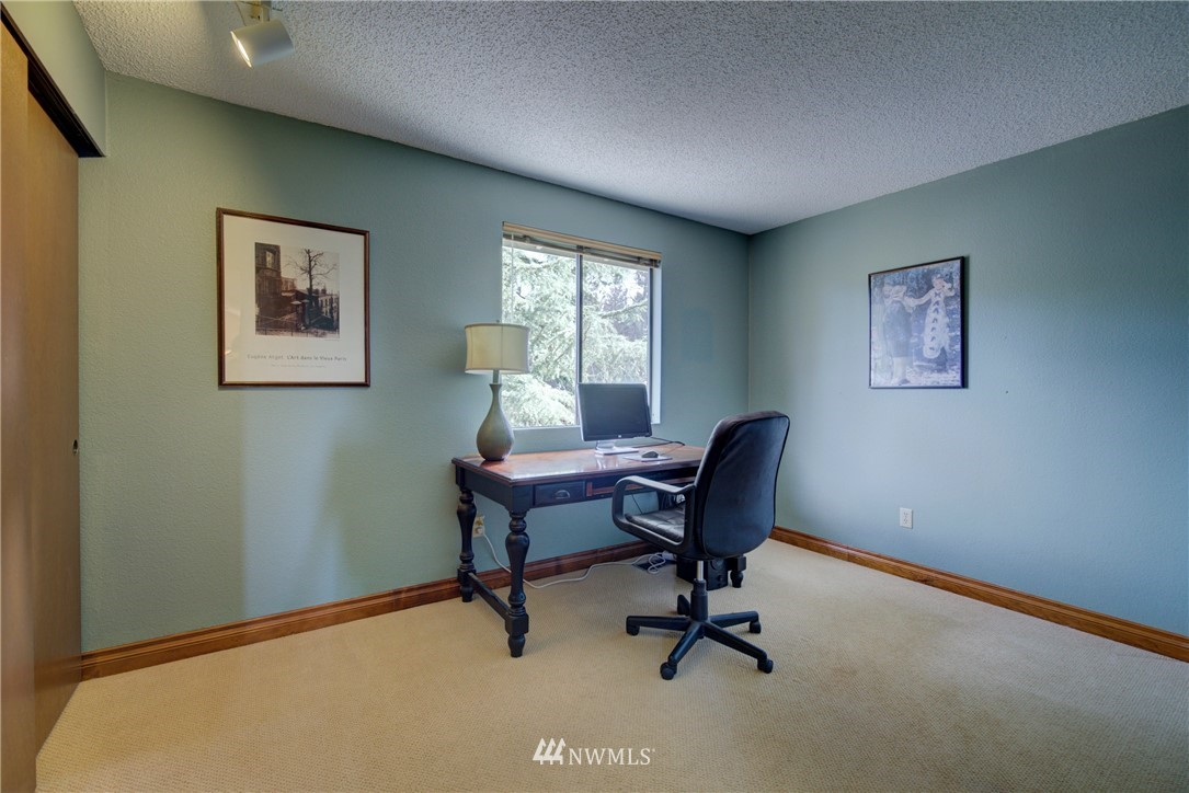 Sold Property | 740 Kalmia Place NW Issaquah, WA 98027 14