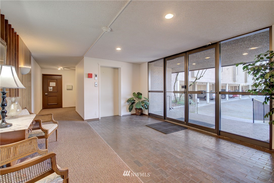 Sold Property   5915 Highway Place #403 Everett, WA 98203 3