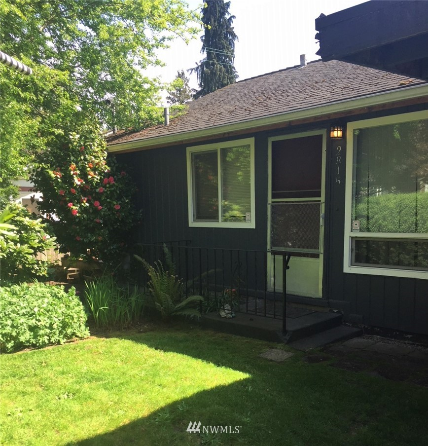 Sold Property | 2815 E Denny Way Seattle, WA 98122 1