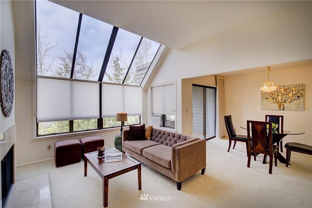 Sold Property | 6300 Sand Point Way NE #302 Seattle, WA 98115 4