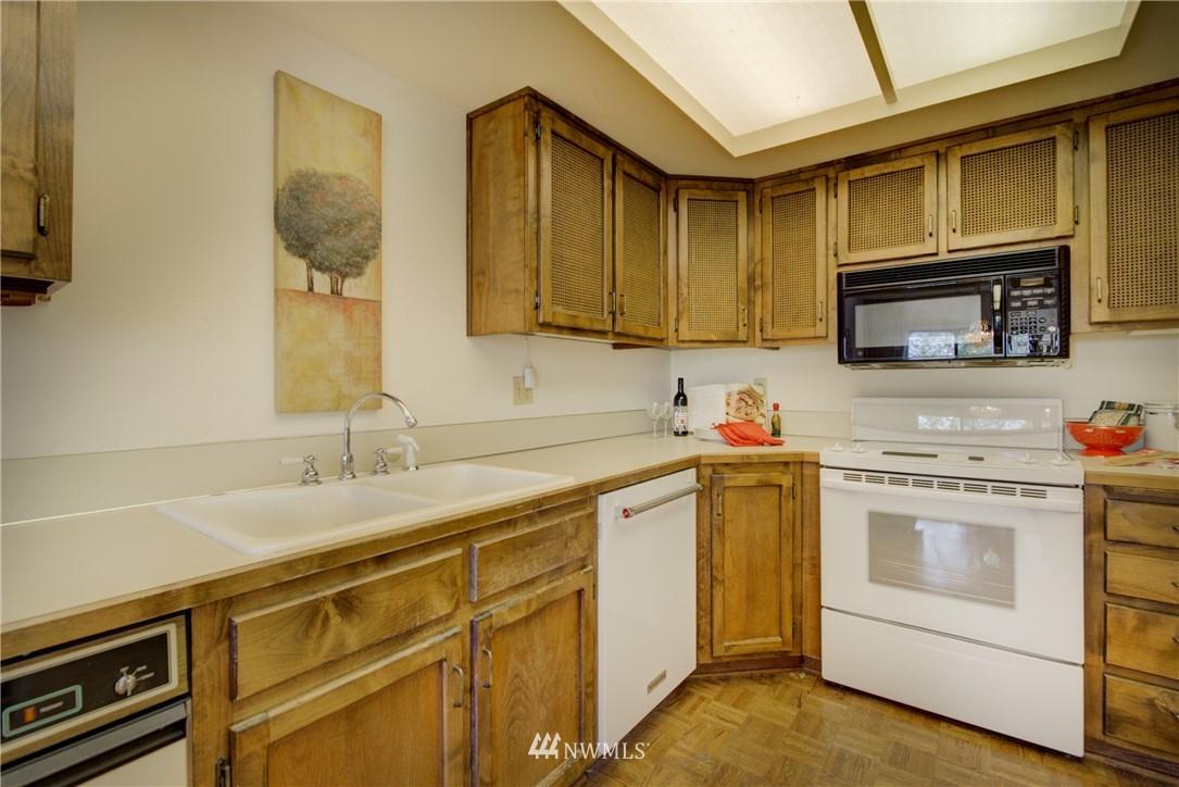Sold Property | 6300 Sand Point Way NE #302 Seattle, WA 98115 10