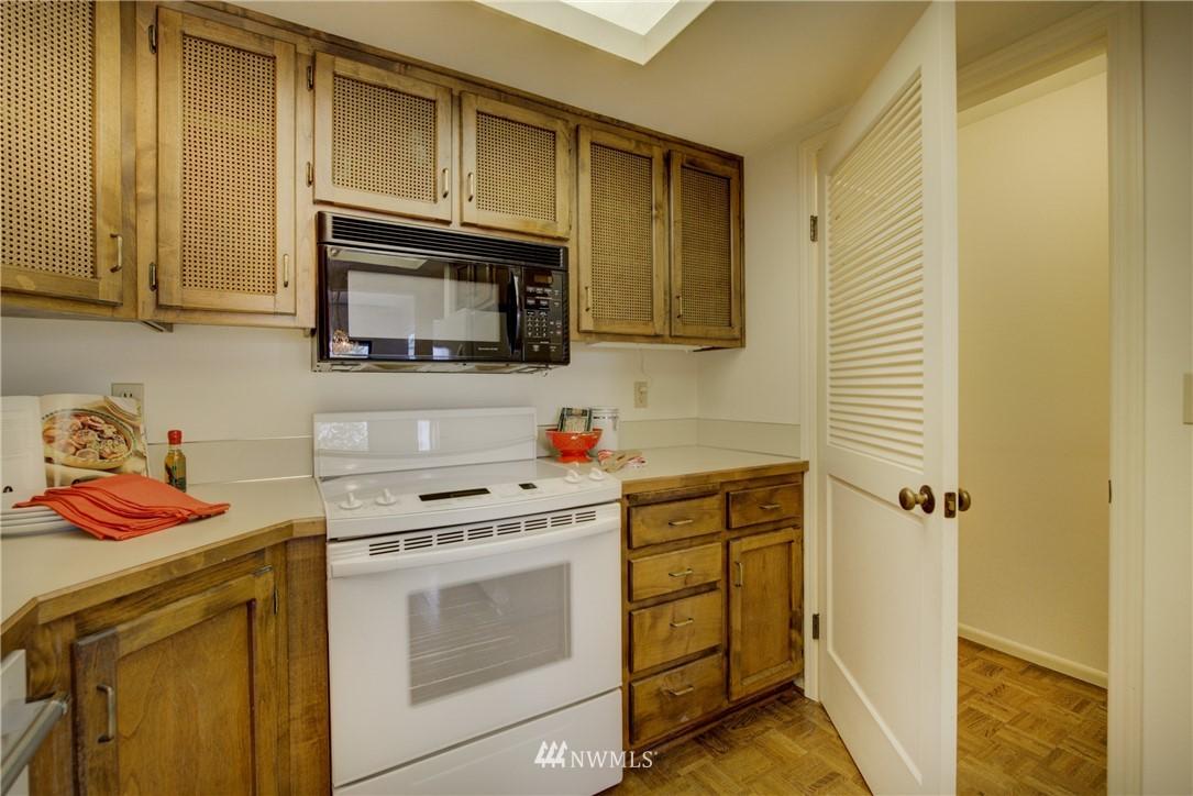 Sold Property | 6300 Sand Point Way NE #302 Seattle, WA 98115 11