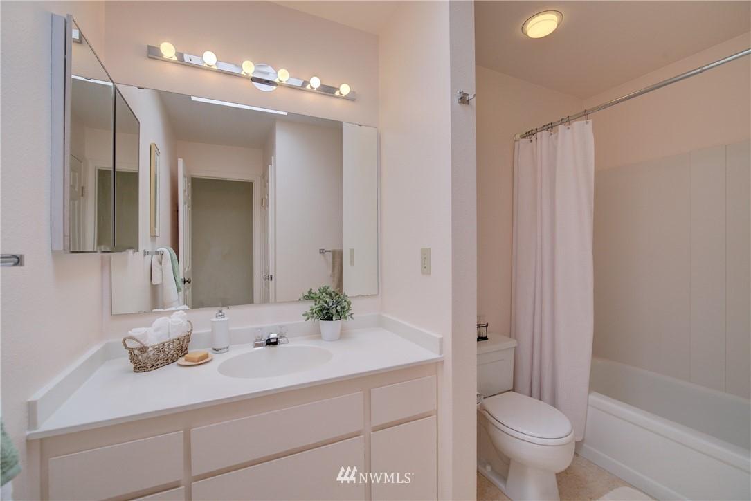 Sold Property | 6300 Sand Point Way NE #302 Seattle, WA 98115 16