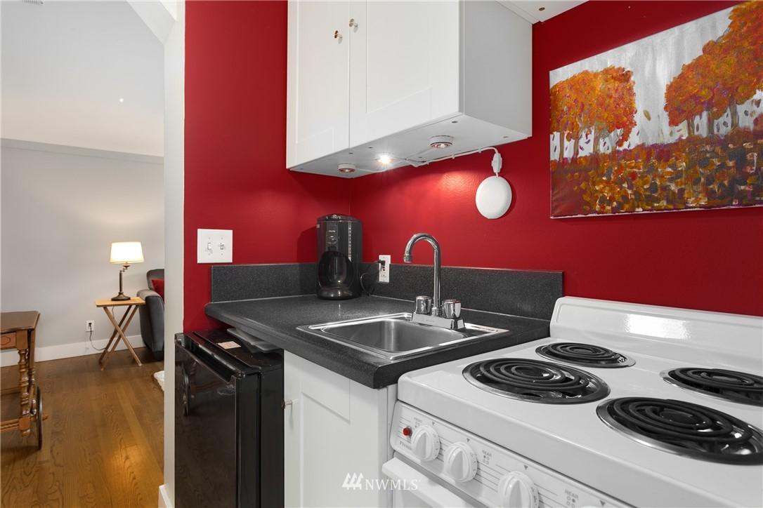 Sold Property   919 2nd Avenue W #606 Seattle, WA 98119 6